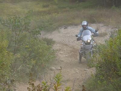 """09. Trail1: powerlines: """"Yoo kin doo it!"""""""