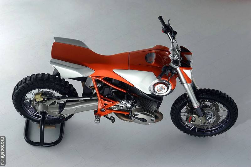 """Modified BMW HP2 Enduro<br /> Go to :  <a href=""""http://www.motocafe.ru"""">http://www.motocafe.ru</a> - I don't speak Russian so can't tell you any more! :-)"""