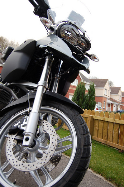 ukGSer Legend's R1200GS - see the next image for a bit of photo trickery :-)