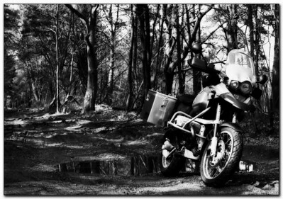 "And again, BMW R1150GS by GSclubUK'er 'MasterDabber' (aka Derek) after he has applied a black & white filter effect ""with an inverted diffused glow applied"" in Photoshop"