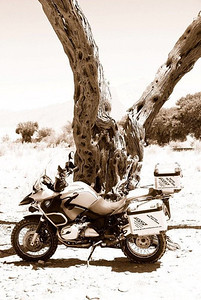 R1200GS Reflection - Photo by Gillian Hine - http://www.unicornpictures.ifp3.com BMW R1200GS Adventure, Sossusvlei, Namibia http://www.gsadventures.co.za