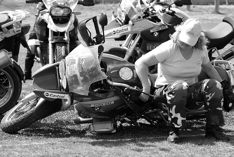 """Photo by Gillian Hine  <a href=""""http://www.unicornpictures.ifp3.com"""">http://www.unicornpictures.ifp3.com</a><br /> Pick up your dropped BMW R1200GS - Checking to see if the 1200 GS is really that heavy!<br />  <a href=""""http://www.gsadventures.co.za"""">http://www.gsadventures.co.za</a>"""