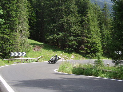 Nice road! - Dutch R1200GS rider Els in the Dolomites, Italy