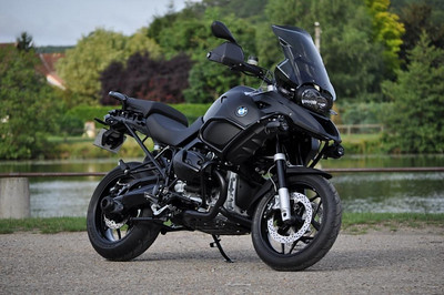 "Panda Moto 89 BMW R1200GS ""BlackMat""   http://www.pandamoto.fr     http://www.motorcycleinfo.co.uk/index.cfm?fa=contentGeneric.pzbpzozgmajbxjom&pageId=738719"
