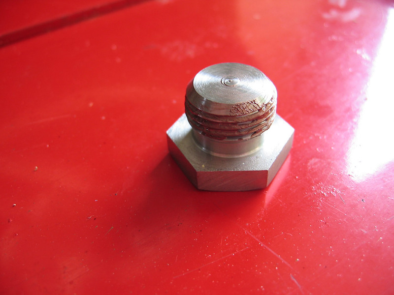 """Plug / bolt to replace the O2 sensors<br /> See here for R1200GS PCIII installation instructions: <br />  <a href=""""http://www.motorcycleinfo.co.uk/index.cfm?fa=contentGeneric.sfjsxqzbkjrcgwel&pageId=425926"""">http://www.motorcycleinfo.co.uk/index.cfm?fa=contentGeneric.sfjsxqzbkjrcgwel&pageId=425926</a>"""