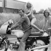 And another shot of Ian, the R100RS and his lovely girl assistants :-)