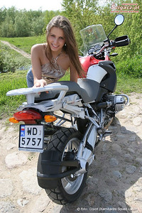 R1200GS and another model, Justyna, 'found' on: www.scigacz.pl