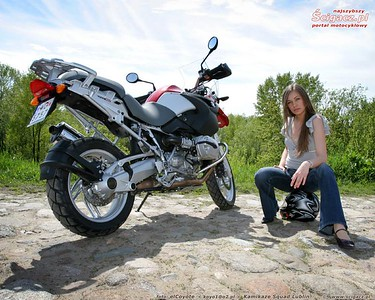 R1200GS and model Diana 'found' on a great looking Polish motorcycle / bike website: www.scigacz.pl
