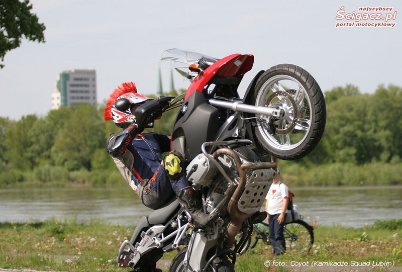 "R1200GS wheelie - truly getting that front wheel airborn!<br /> From the Polish motorcycle website:  <a href=""http://www.scigacz.pl"">http://www.scigacz.pl</a>"
