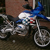"""Another R1200GS from the Netherlands owned by Dutch rider Hans G - the colour scheme is based on the last Paris Dakar R900RR ...the blue is a Yamaha color as used on the R1<br /> Dutch GS riders forum: <a href=""""http://www.bmwgsclub.nl/forum/"""">http://www.bmwgsclub.nl/forum/</a>"""
