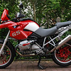 """R1200GS owned by German GS rider Markus (aka 'red-bull-gs')<br /> See his Flickr photo galleries here <a href=""""http://www.flickr.com/photos/21857694@N05/"""">http://www.flickr.com/photos/21857694@N05/</a>"""