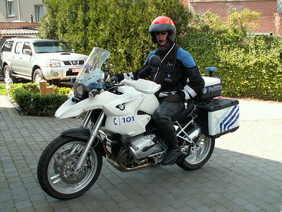 Harald on his Belgiun Police BMW R1200GS / R1200GS-P - this particular R12100GS is a 'demo' bike but there are R1200GS in active service with the Police in Belgium in Lokeren, a small city in near Antwerp