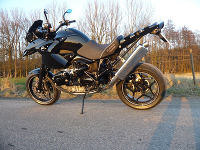 When is a BMW R1200GS not a BMW R1200GS?.......when it's a Welsch GS12 from Rennkuh FrankW's rather nice GS12 Go here for the full story:   http://www.motorcycleinfo.co.uk/index.cfm?fa=contentGeneric.pzbpzozgmajbxjom&pageId=729819