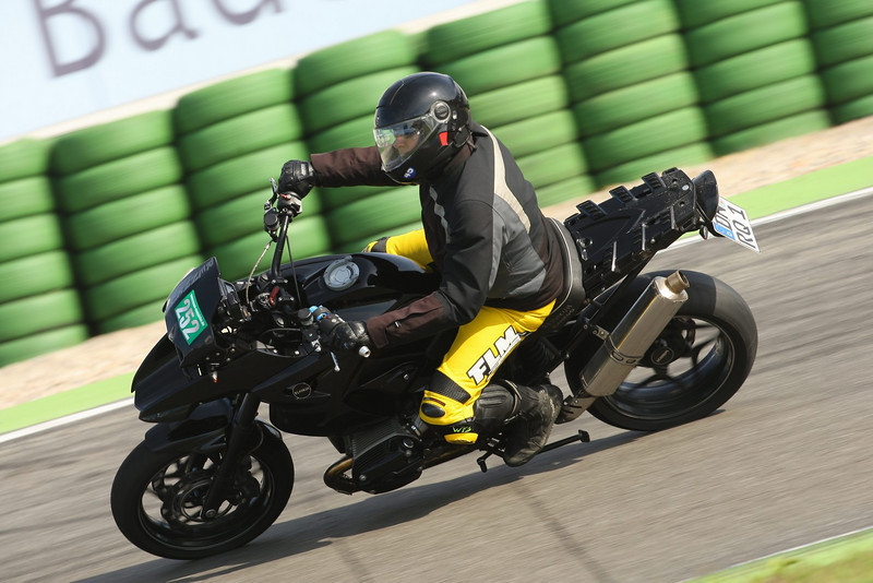 "FrankW's rather nice GS12<br /> Go here for the full story: <br />  <a href=""http://www.motorcycleinfo.co.uk/index.cfm?fa=contentGeneric.pzbpzozgmajbxjom&pageId=729819"">http://www.motorcycleinfo.co.uk/index.cfm?fa=contentGeneric.pzbpzozgmajbxjom&pageId=729819</a>"
