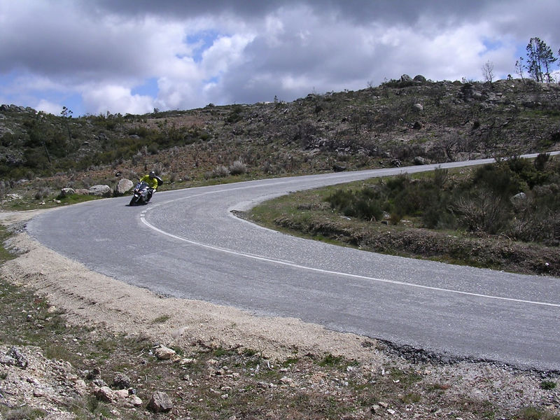 more bad cornering technique and  bad photography in Portugal