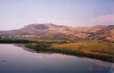 2s,Oregon,near Clarno,the John Day River,july21,2001