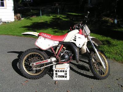 1986 Yamaha YZ125, as bought, sep 23, 2005
