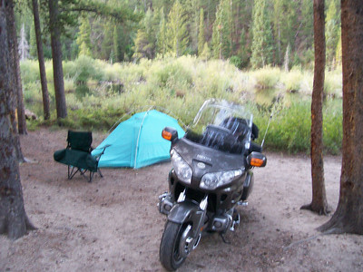 Camp across form trailhead east side of Cottonwood pass