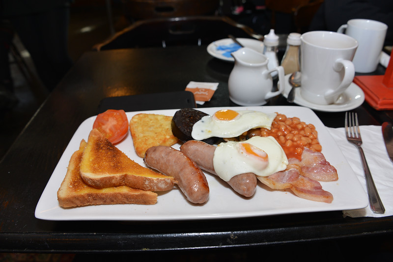 Breakfast at the Plume of Feathers, Princetown