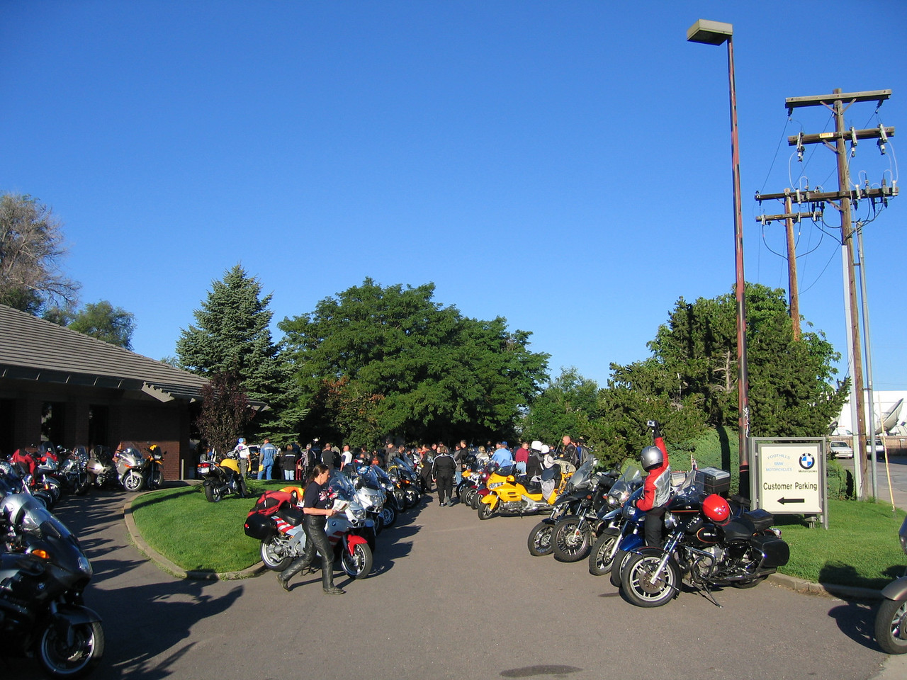 Saturday morning, August 6th, and the Colorado BMW Motorcycle Club's annual 100,000 Foot Ride starts at Foothills BMW Motorcycles, the key sponsor of the event.  Over 300 riders showed up to make the ride, including folks from Oregon and other far away states.
