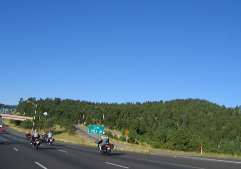 In the far lane, Sfarson leads the way on his Ducati ST4s, followed by Justin on his Blackbird, and Tabasco on his K1200GT.  I'm not sure who the last rider is in the gray Aerostich.  Liz is in the middle lane.