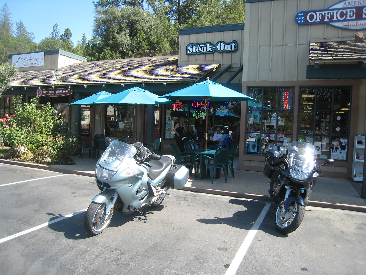 We then head to Placerville for lunch at the Steak-Out, a Greek / Middle Eastern restaurant.