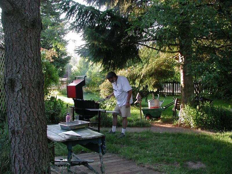 Gerg manning the BBQ, waiting for Mad Russian to show up.