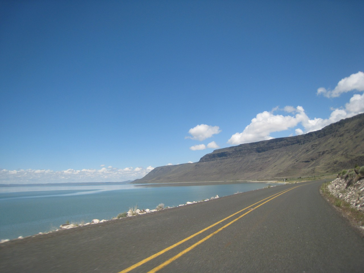 Crossing into Oregon, we skirt the east side of Lake Abert