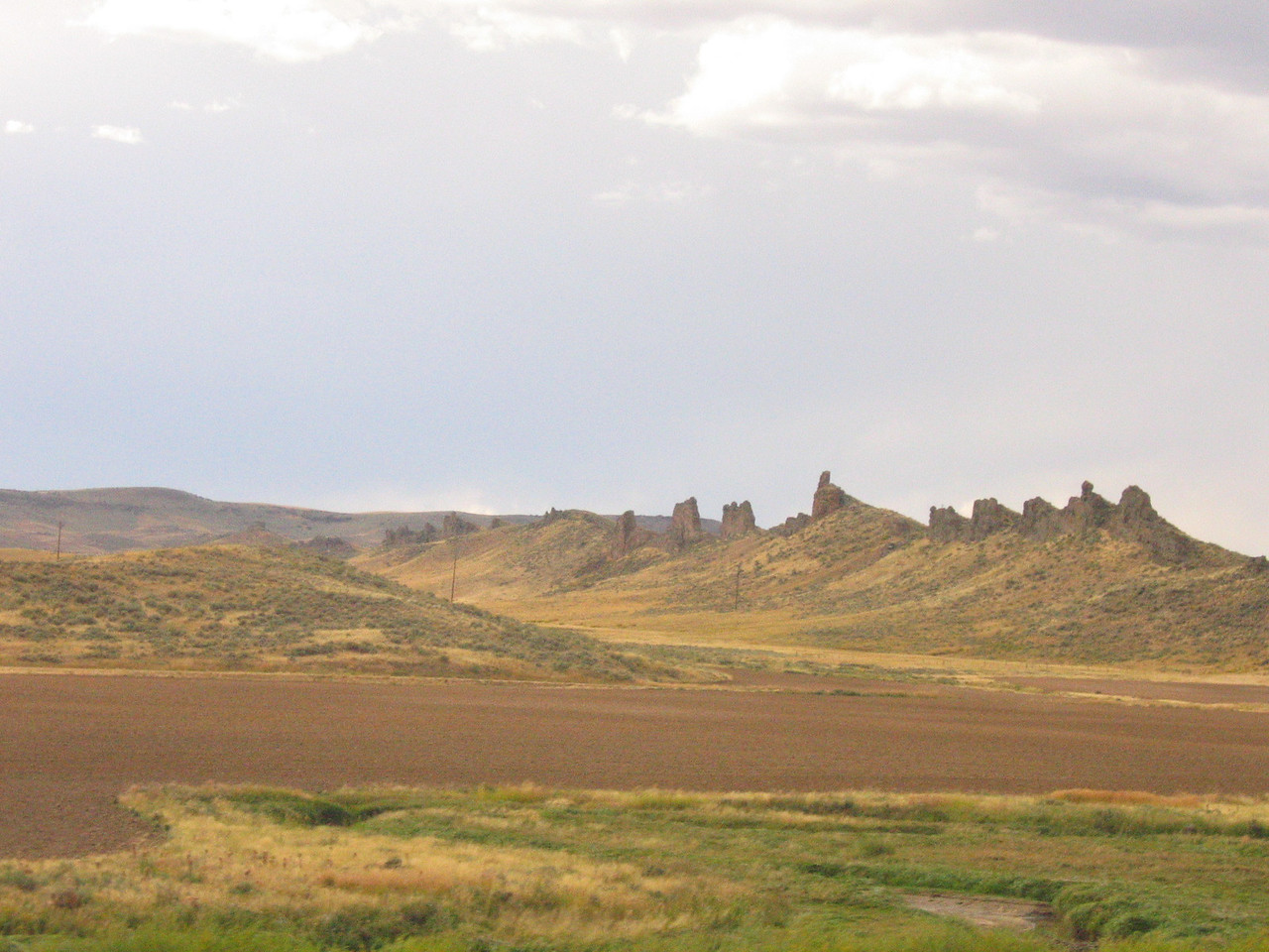 As we head towards Rock Springs, WY, there are some interesting geographical sites that break up the monotony.