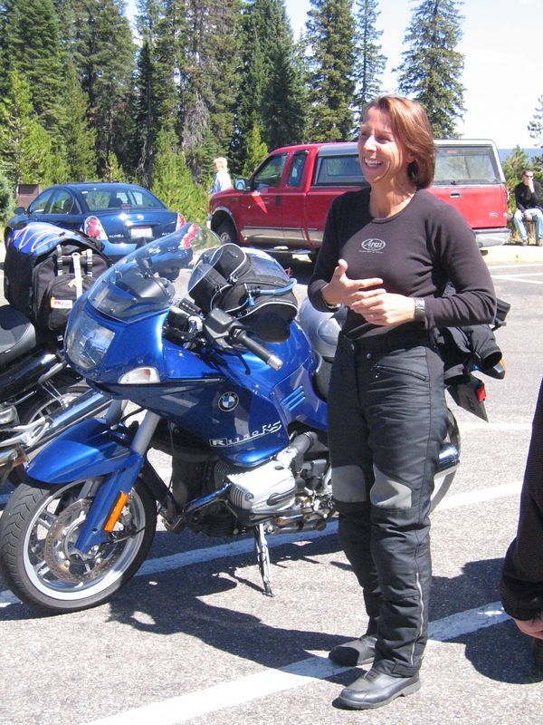 Liz Majors and her R1150RS.
