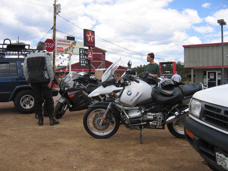 Steve Farson soon joins us, riding his R1150GS.