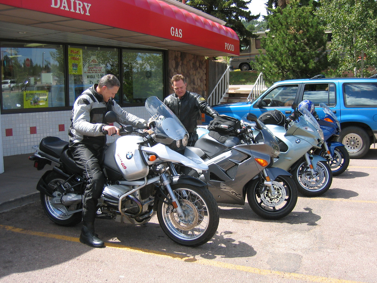 Steve, realizing his GS is parked the wrong way, graciously turns it around so I can take a picture of the bikes.  I'm too kind to let him know it looked better turned the other way (he he).