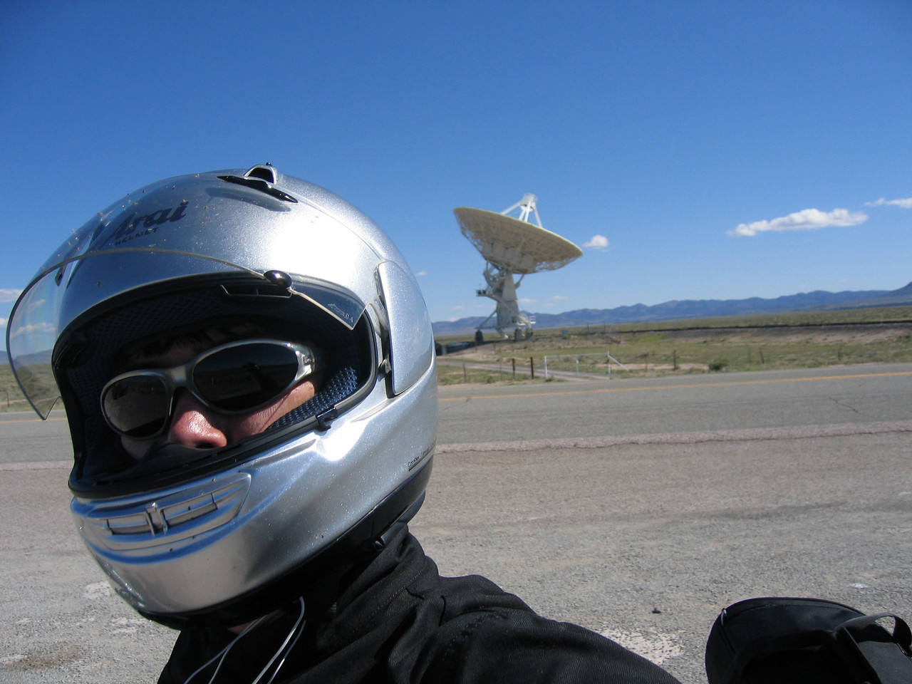 (Click on image to enlarge)<br /> <br /> Aliens have landed at the VLA!