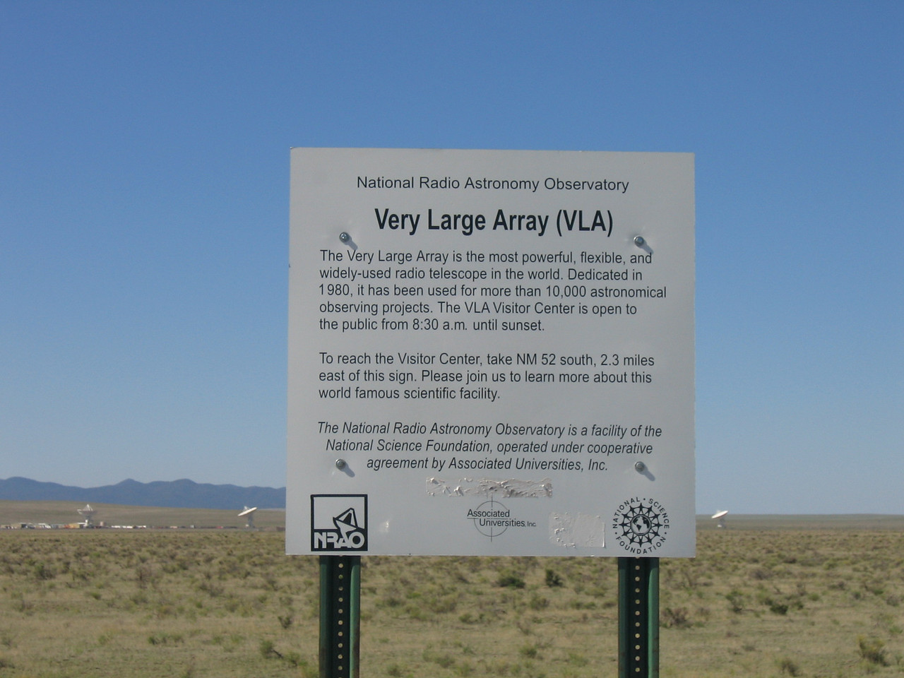 (Click on image to enlarge)<br /> <br /> A description of the Very Large Array (VLA)