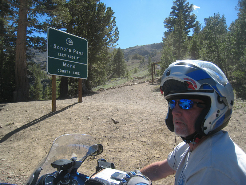 Steve and I stop at the top of Sonora Pass.  We're both on K-bikes and Chuck is on an R-1200R.  We've got a bit of an HP advantage on him.