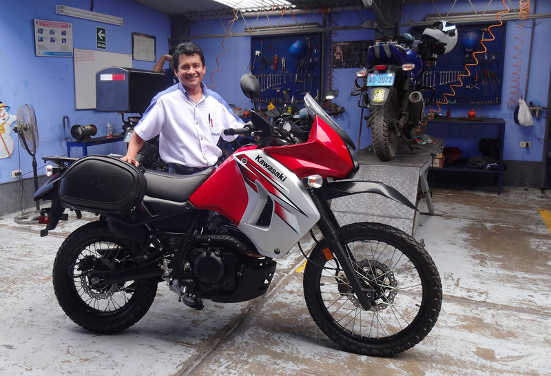 Alexander, my salesman with new KLR in Lima