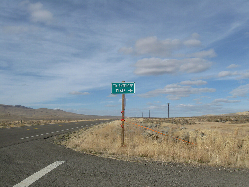 This is looking north on Hwy 95, Oregon.  This road is actually Jackson Creek Rd.  On the other side of the hwy is Oregon Canyon Rd.