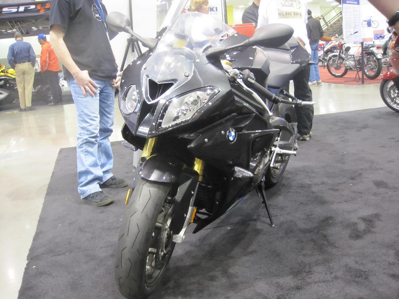 New BMW S1000R Front