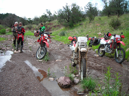 Here is a good shot of Craig's mudslinging machine and the other XRs. Craig, Troy, and I are in the background.