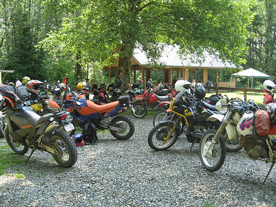 Lunch stop gathering.