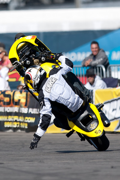 Brian Bubash sitdown circle wheelies!