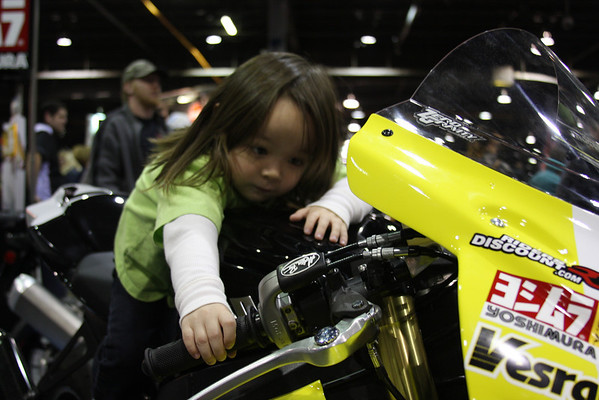 This one makes it go Daddy - Mark Jung Vesrah Suzuki race bike.