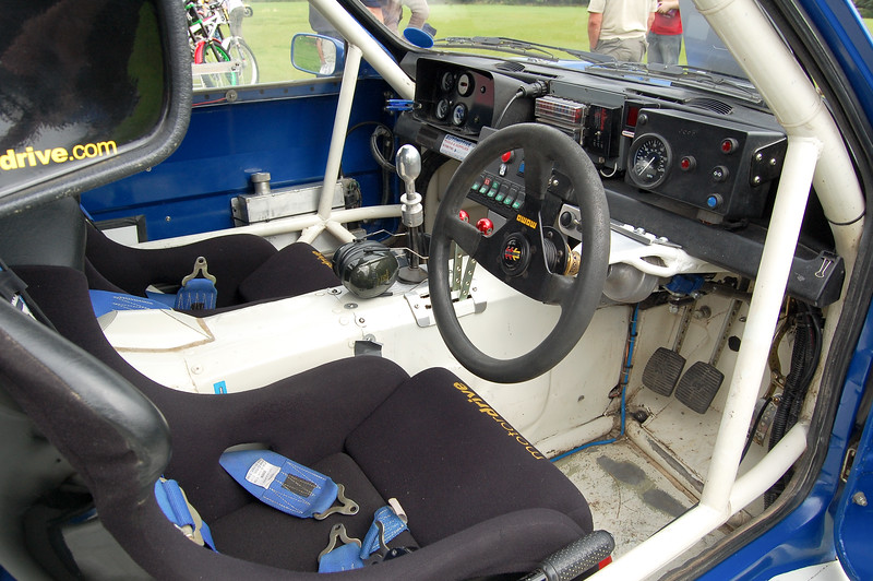 Metro 6r4 drivers seat and dashboard