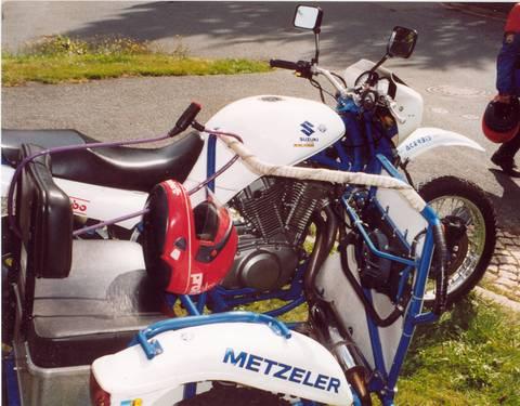 vx800-sw-rechts-480
