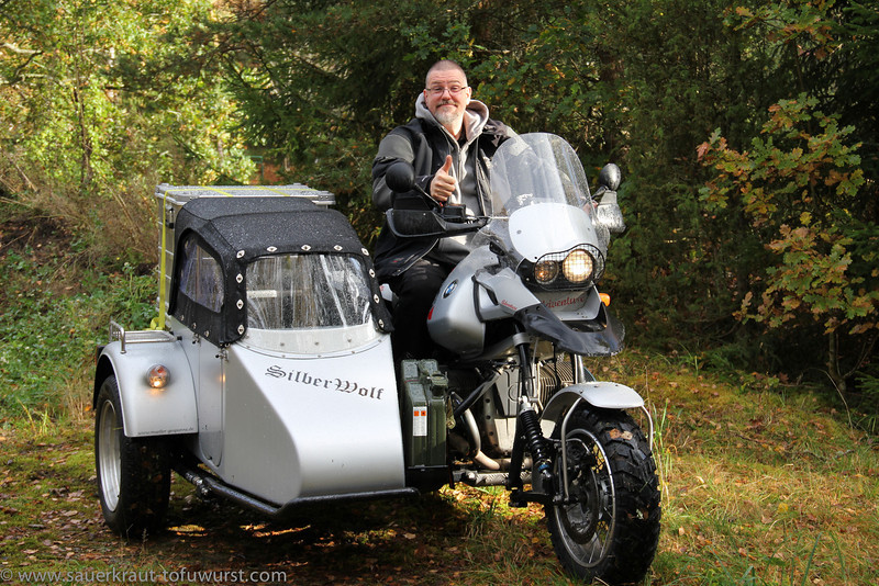 Happy owner of a great sidecar.