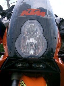 Note the Piaa aux light kit under the headlight.  Cost: $140.00