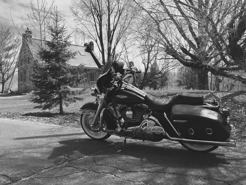 Chemin des prairies Brossard<br /> Road-King 2000<br /> 1 Mai 2015<br /> IMG_4123.jpg