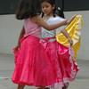 Ninas bailando una marinera limena para el concurso de Fiestas de Marzo en Ica.