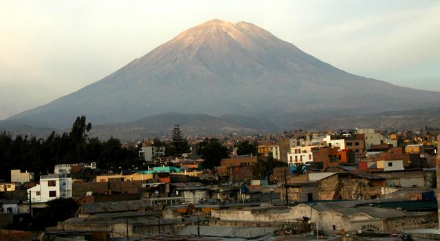"El Misti Volcano, Arequipa, 19098 feet high, <a href=""http://en.wikipedia.org/wiki/El_Misti"">http://en.wikipedia.org/wiki/El_Misti</a>"