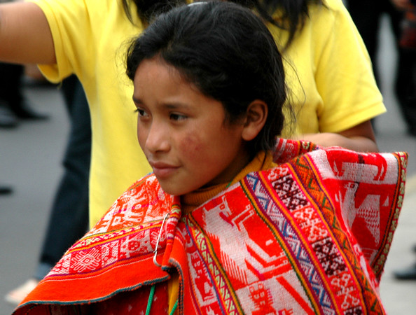 Baile por fiesta en Miraflores, nina danzante de lugar oriundo del Peru.